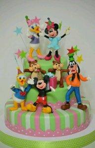 Walt-Disney-World-Cakes.thumb.jpg.32edfc5fb589064e8aacf606088c4b1f.jpg
