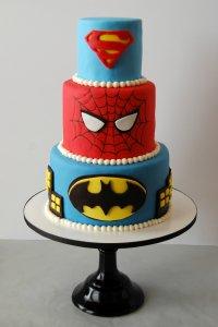 superhero-birthday-cake.thumb.jpg.d889b35d2643c3d7b0043e45037628aa.jpg