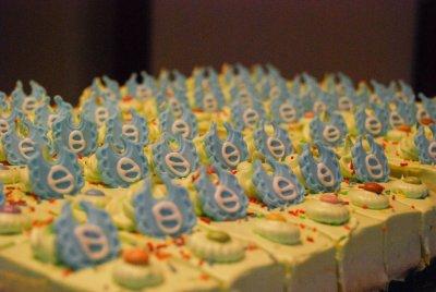 cake.thumb.jpg.6d7960757e5382bfe8bcae92e2d09136.jpg