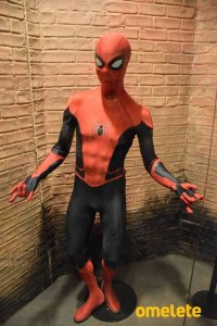 Spider-Man-Far-From-Home-Red-and-Black-Suit-CCXP.jpg