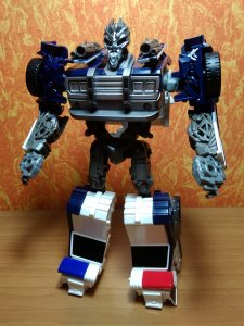 160349409_TransformersBarricadeEnergonIgnitersNitroSeries(2018)01Hasbro.thumb.jpg.e7f9dc31e33e0c81433fe2737e7dfb6c.jpg