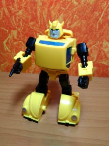 1923907274_TransformersBumblebee(2019)KuBianBaoKBBMCS-02HornetsAgentRobotMode.thumb.jpg.9d4ade107ba5800b7476dbd41e96a23e.jpg
