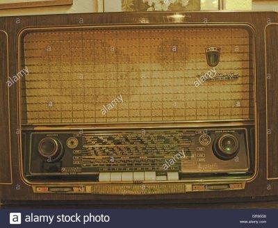 historical-grundig-radio-GR90G8.jpg